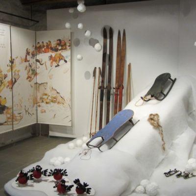 Koiramäki-teoksen talvinen maisema