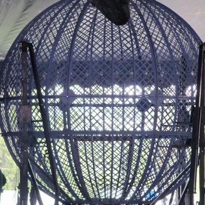 Surmanajossa käytettävä teräsverkkopallo