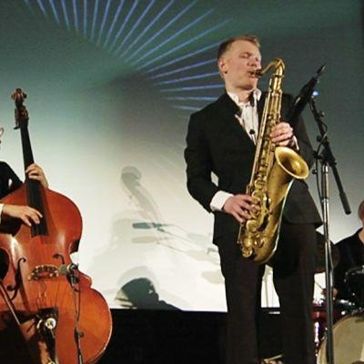 Auteur Jazz konsertoi April Jazzeilla elokuvateatterissa Kino Tapiolassa.