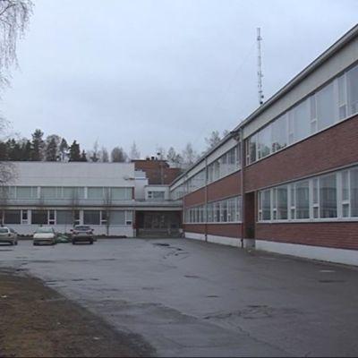 koulun piha-alue