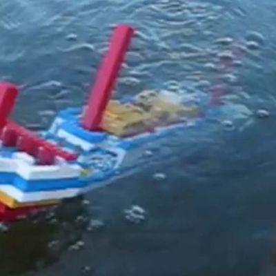 Lego-Titanic uppoaa Reposaaren edustalle.