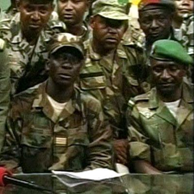 Malin kapinalliset ilmoittavat kaapanneensa vallan.