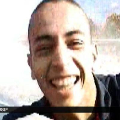 Ranskan television France 2:n välittämä pysäytyskuva videosta, jolla esintyy veriteoista epäilty Mohamed Merah.