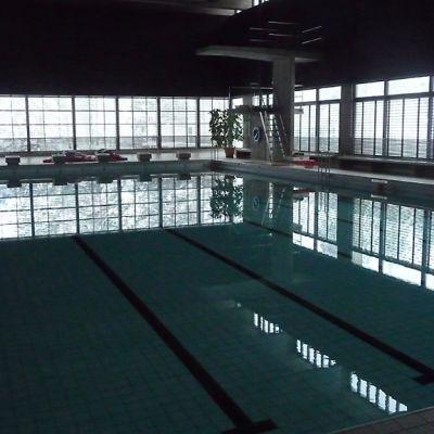 Vekaranjärven varuskunnan uimahalli
