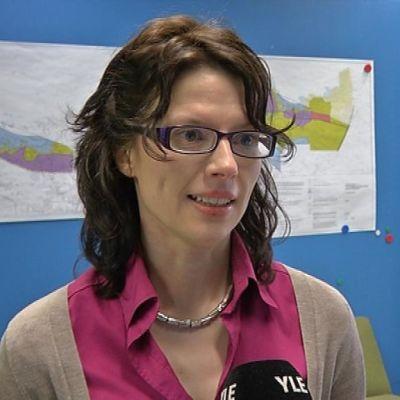 Fennovoiman viestintäjohtaja Maira Kettunen on käynyt jo tutuksi pyhäjokisille.