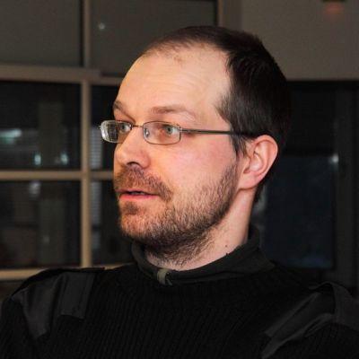 Rovaniemeläinen kuvataiteilija Kalle Lampela
