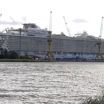 Oasis of the Seas Turun telakalla.