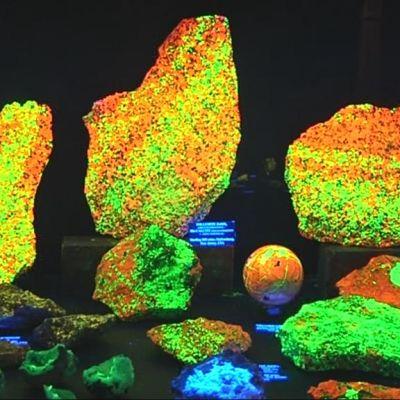 Fluorisoivia kiviä.