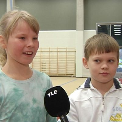 Emmi Yrjänä ja Juuso Erkkilä.
