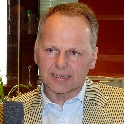 Keskustan kansanedustaja Jari Leppä