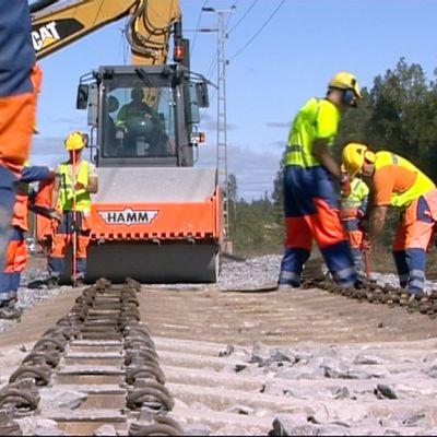 Seinäjoki-Oulu -radan peruskorjausta.