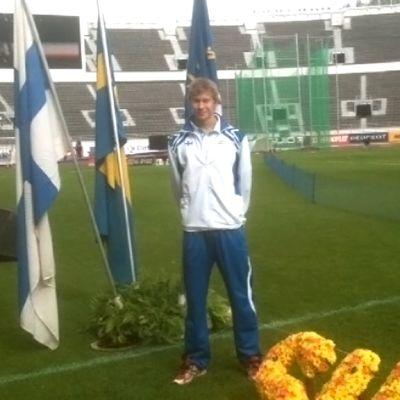 Oskari Mörö Olympiastadionilla.