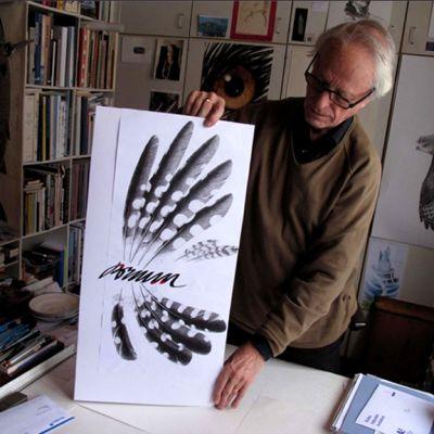 Graafikko ja julistetaiteilija Erik Bruun