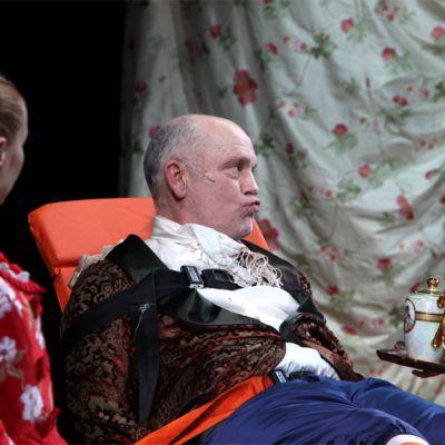 Näyttelijä John Malcovich esiintyy The Giacomo Variations -näytelmässä.