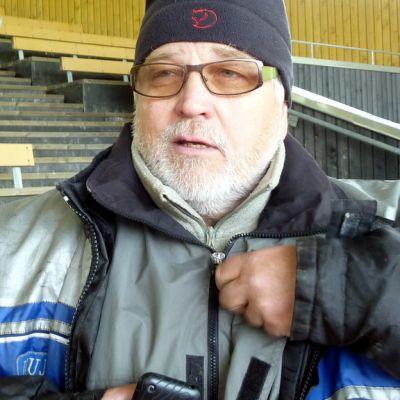 Laulaja-näyttelijä Kai Hyttinen.