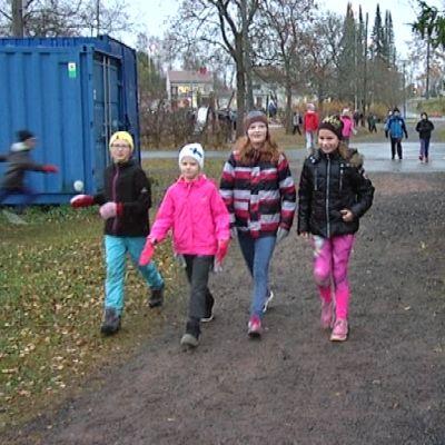 Lapsia välituntimaratonilla Loimaalla