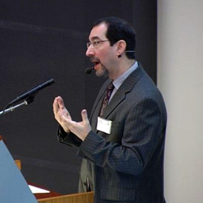 Amerikkalaisprofessori Andrew Moskowitz.