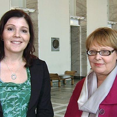 Kuvassa Sari Sakomaa ja Annika Lapintie.