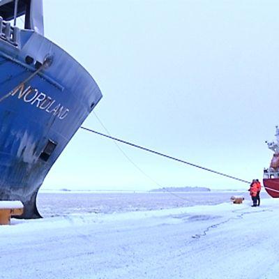 Kuvassa näkymä Pietarsaaren satamasta