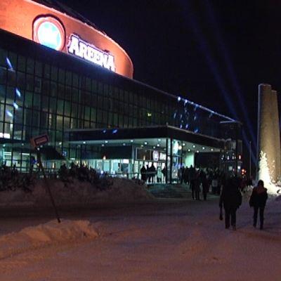 Turkuhalli oli saanut juhlavalot elokuvan kunniaksi.