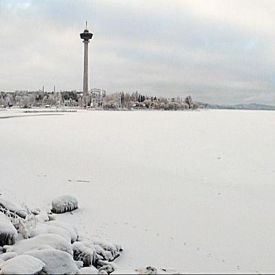 Näsijärvi jäässä.