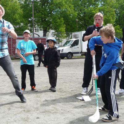 Ville Mononen ja Sami Heiskanen ilmaveivikisassa.