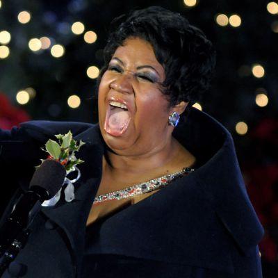 Aretha Franklin lauloi joulunavaustilaisuudessa New Yorkissa 2009.