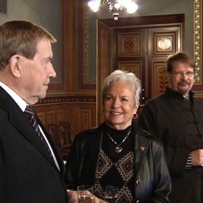 Vasemmalta Pekka Tarkka, Anneli Sauli ja Veli Rosenberg