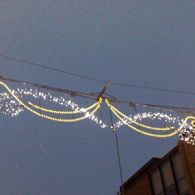 Uudet jouluvalot syttyvät Turun kävelykadulla lauantaina.