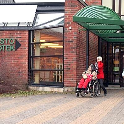 Variskan kirjasto Vaasassa.