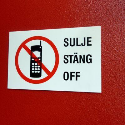 Sulje kännykkä -kieltokyltti