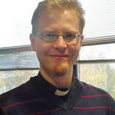 Kuvassa Luther-säätiön pastori Jani-Matti Ylilehto.