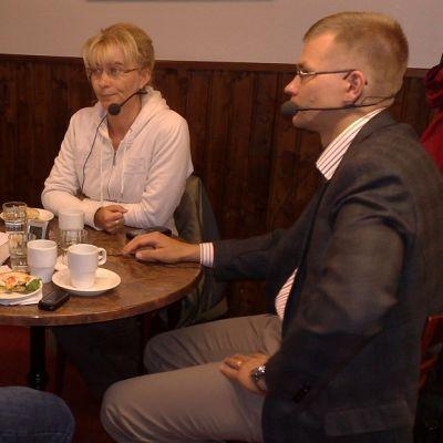 Kansanedustaja Janina Andersson ja tutkija Kimmo Elo.
