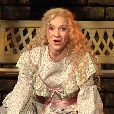 Näyttelijä Marika Westerling on Les Misérablesin Cosette.