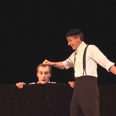 Visual Theater von Bodecker-Neander toi Lainsuojattomat festivaalille sanataonta teatteria.