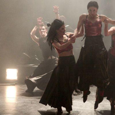 Tanssiteatteri Minimin ja Tsuumin suurteos Mahti on tehty yhteistyössä Kalevalaseuran kanssa.