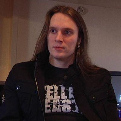 Turisaksen laulusolisti Matias Nygård