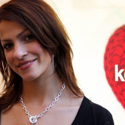 Yksi elokuvan tähdistä on Jenni Banerjee.