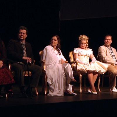 La Traviatan roolihenkilöitä