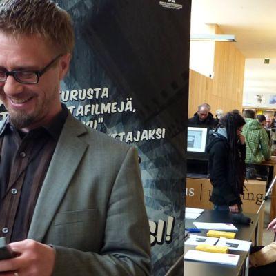 Kasimillistä kelaa ihmettelee projektipäällikkö Pekka Uotila, jonka johdolla turkulaisten kaitafilmejä kerätään.