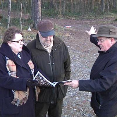 Eila Shemeikka-Ikonen, Paavo Ikonen ja Simo Mustonen.