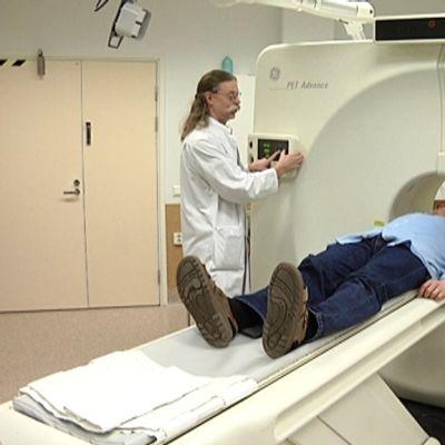 Turun PET-keskuksessa tutkitaan matkapuhelimen terveysriskejä kahden vuoden ajan.