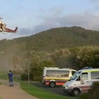 Uhri kuljetettiin hoitoon helikopterilla.