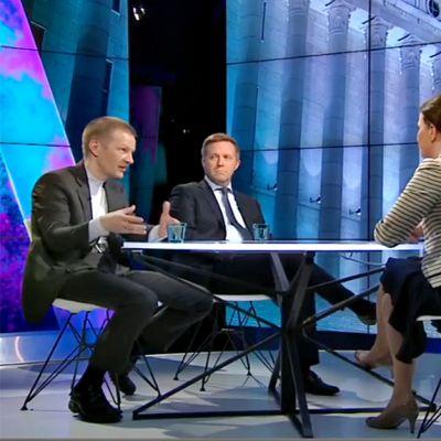 Matias Turkkila ja Jussi Kekkonen keskustelivat Trumpin suosion vaikutuksesta tuleviin vaalikampanjoihin Johanna Vesikallion johdolla.