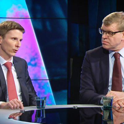 Autoliiton toimitusjohtaja Pasi Nieminen ja LänsiAuton toimitusjohtaja Tommi Köninki.