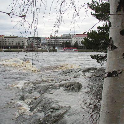 Tulvan kuohut