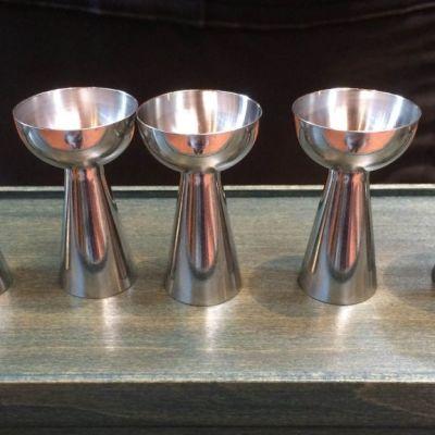 kirkko kristinusko ehtoollismaljat ehtoollinen ehtoollismalja kirkon hopeat