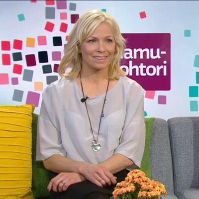 Aamutohtori: Aamutohtori Katja Mjøsund ja lasten rasitusvammat