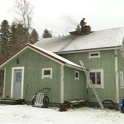 Nuohooja on talon katolla