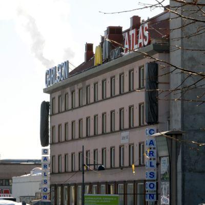 Carlsonin ja Atlaksen rakennus.